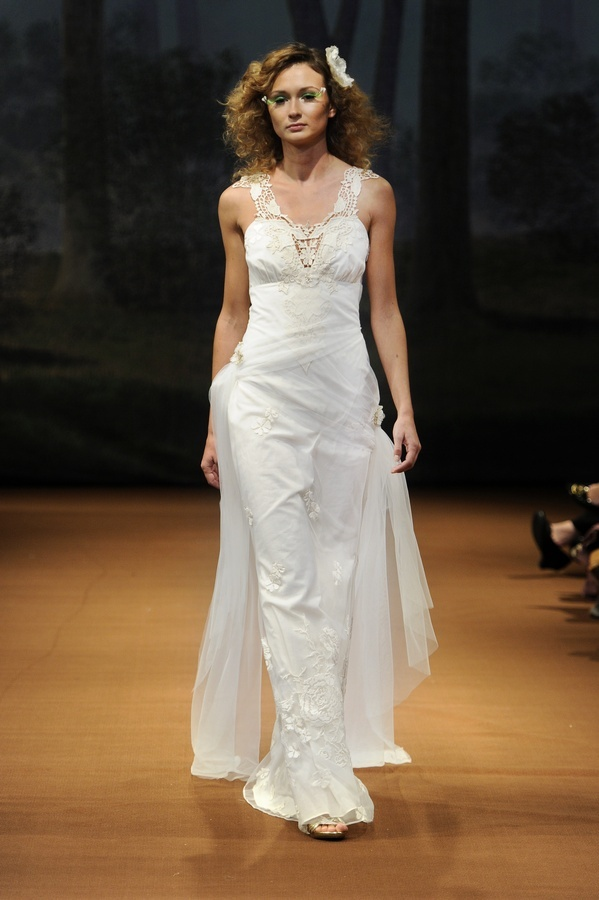 Elwin-2011-wedding-dress-white-claire-pettibone.full