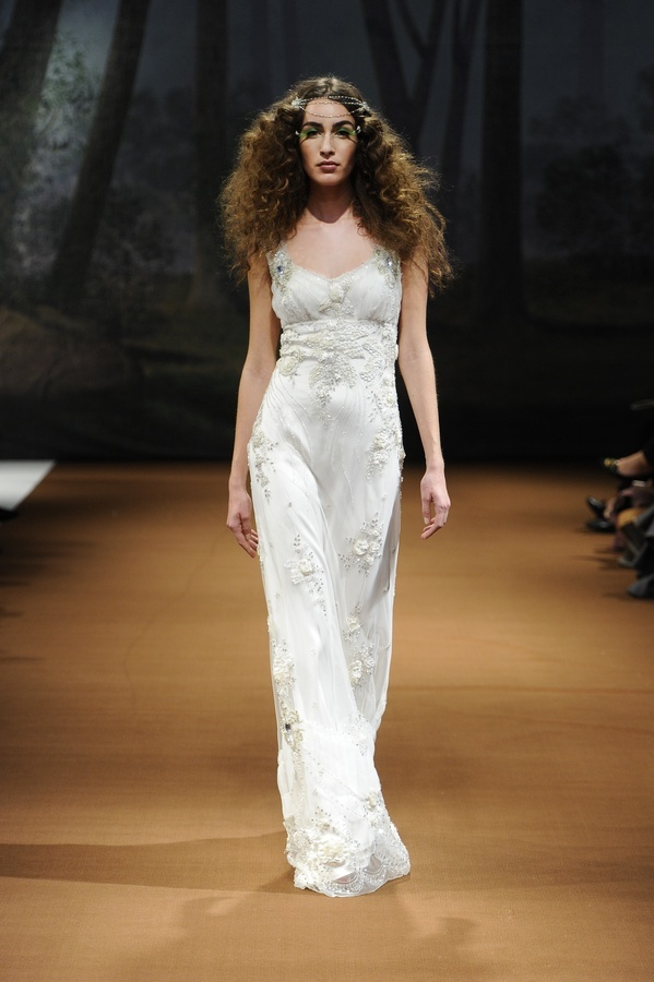Crescent-2011-claire-pettibone-wedding-dress-sheath-applique-v-neck.full