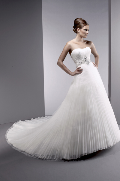 Bellissima-bridal-2011-wedding-dress-filippia-white-strapless-wedding-dress-2011.full