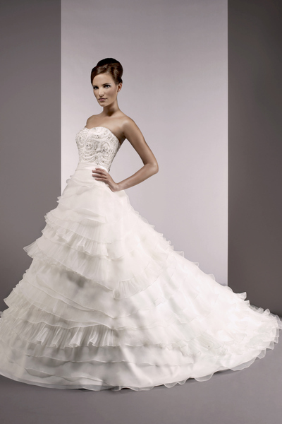 Bellissima-bridal-2011-wedding-dress-bendecca.full