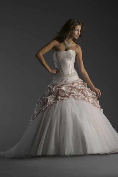 Bellissima-bridal-2011-wedding-dress-belinda.full