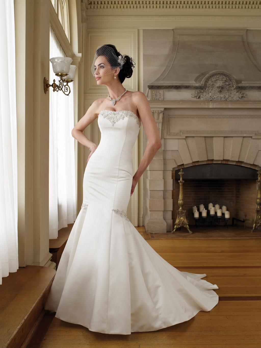 111209-mon-cheri-bridals-2011-wedding-dress-mermaid-trumpet-ivory-strapless.full