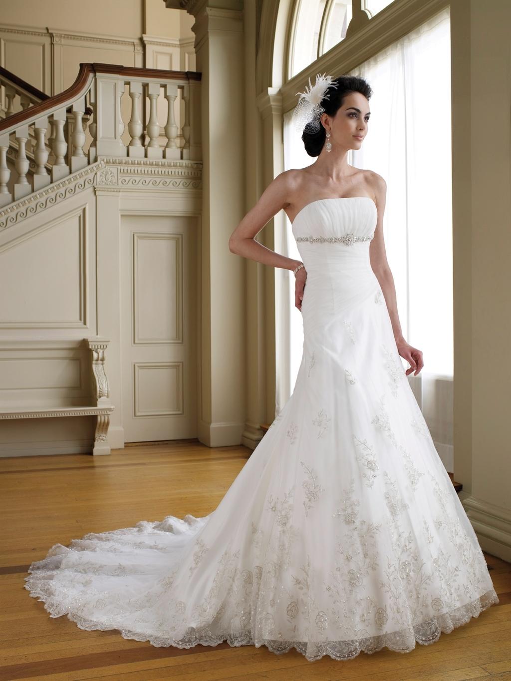 111204-018-mon-cheri-wedding-dress-2011-strapless-a-line-lace-applique.full