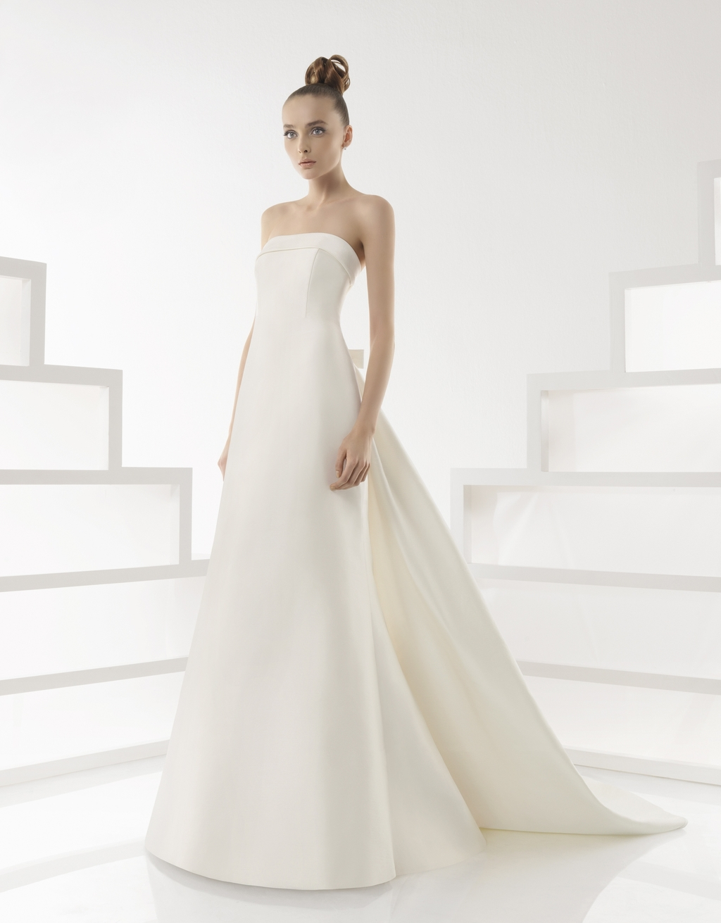 216-eilene-2011-rosa-clara-wedding-dress-classic-ivory-strapless-modified-a-line.full
