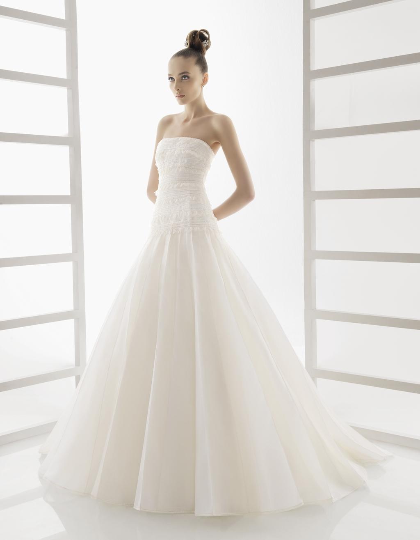 210-edna-rosa-clara-wedding-dress-strapless-princess-classic.full