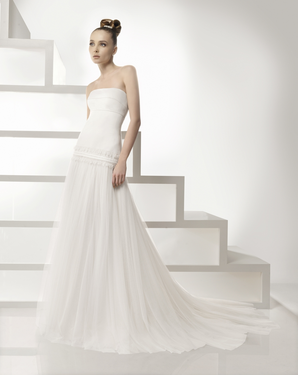 203-eclipse-strapless-ivory-wedding-dress-2011-rosa-clara-a-line.full
