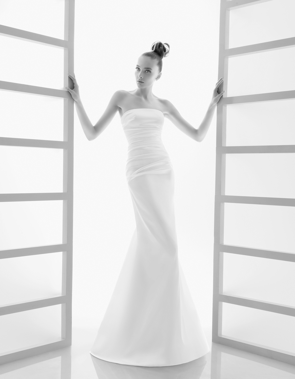 118-elan-white-strapless-column-wedding-dress-rosa-clara-2011-fit-and-flare.full
