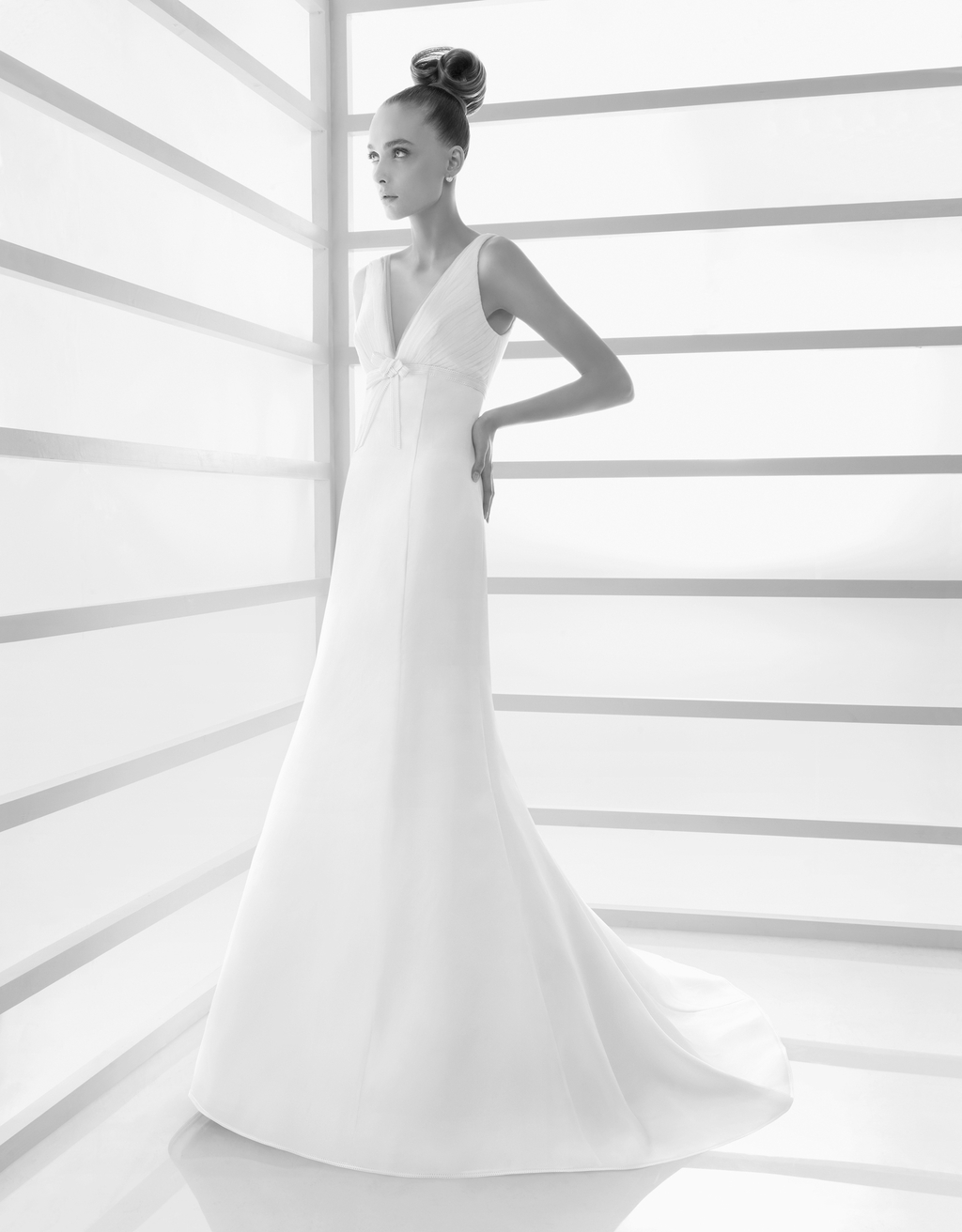 105-ecologia-2011-rosa-clara-wedding-dress-v-neck-full-length-fit-and-flare.full