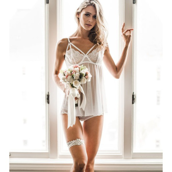 Tradition Of Wedding Garter: 2012 Wedding Trends Ditching Tradition Bridal Bouquet Toss