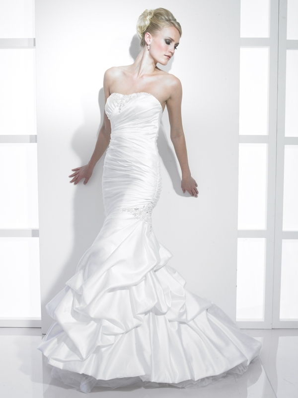 J6163-2011-wedding-dress-stephanie-couture-mermaid-strapless-satin-applique.full