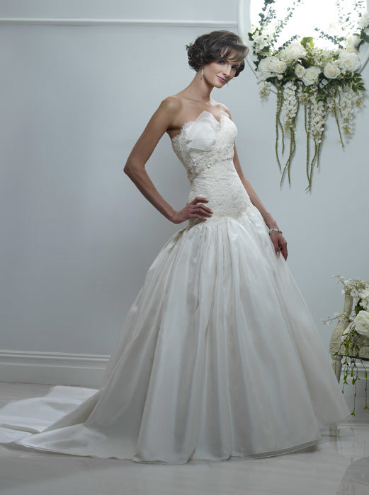 Spring-2011-constance-strapless-drop-waist-ball-gown-lace-empire.full
