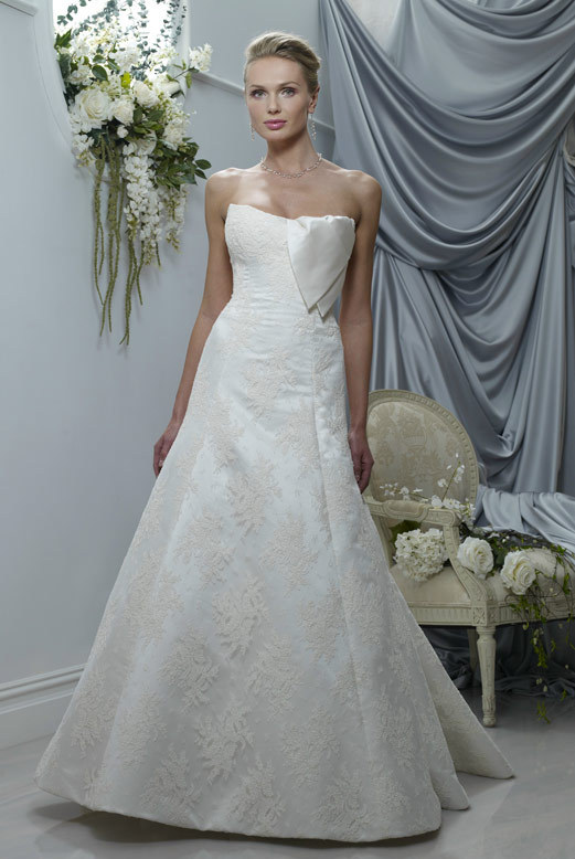 Spring-2011-morgan-wedding-dress-fit-and-flare-strapless-ivory-asymmetric-detail.full