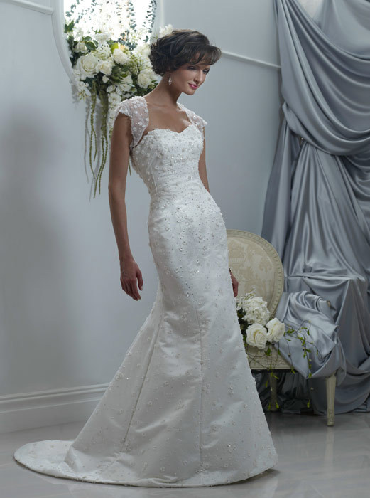 Spring-2011-wedding-dresses-veronica-sweetheart-neckline-beaded-mermaid.full