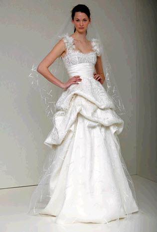 Leisel-monique-lhuillier-spring-2011-wedding-dress-ivory-jewelled-neckline-hand-tufted-skirt.full