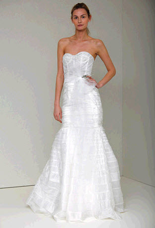 Vanessa-spring-2011-monique-lhuillier-wedding-dress-sweetheart-neckline-drop-waist-trumpet.full