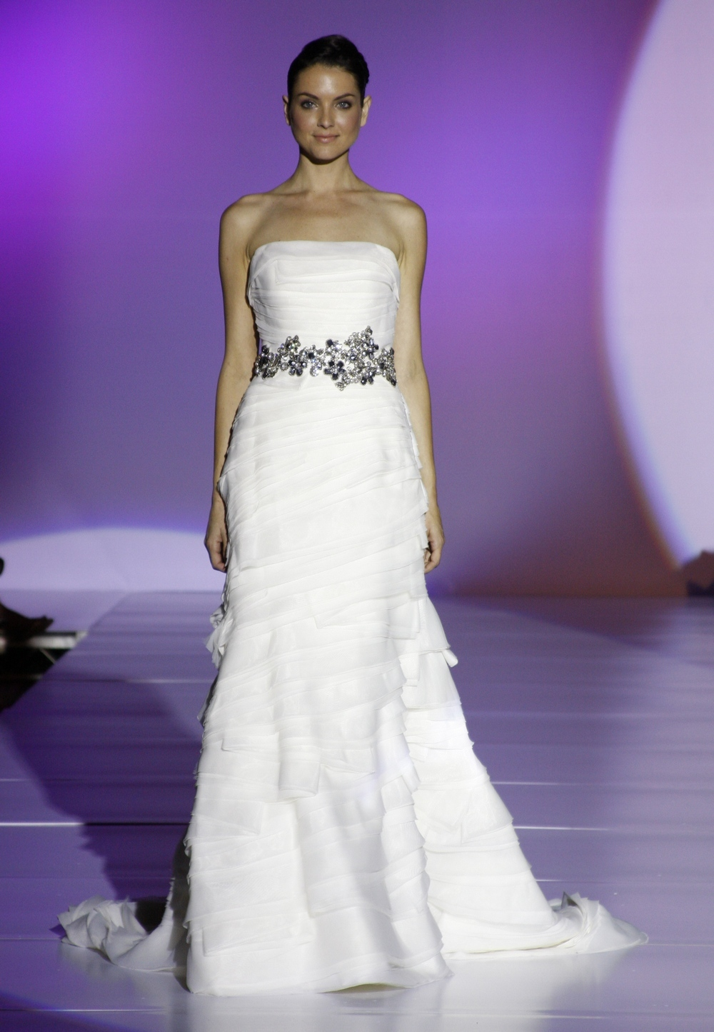 Enzoani-faye-spring-2011-wedding-dress-tiers-strapless-mermaid-silhouette-front.full