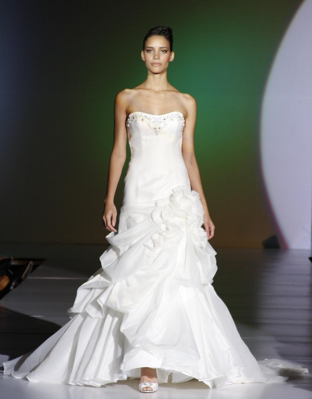 Blue-by-enzoani-spring-2011-wedding-dresses-dominica-silk-organza-a-line-strapless-wedding-dress-bustle-beading.full