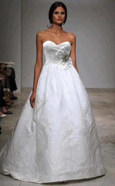 Amsale-cagney-spring-2011-wedding-dress-ballgown-silk-satin-jacquard-sweetheart-neckline.full