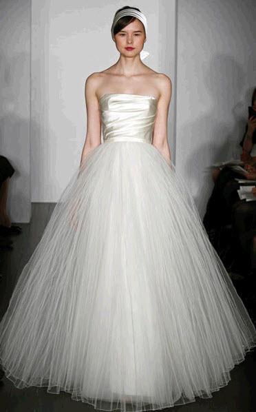 Amsale-blue-label-calista-spring-2011-windsor-duchess-satin-ball-gown-strapless-wedding-dress-tulle-skirt.full