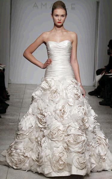 Amsale-blue-label-bijou-spring-2011-ivory-strapless-ruched-bodice-wedding-dress-ballgown-skirt-floral-applique-2.full