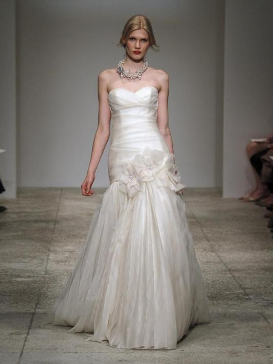 Amsale-blue-label-sierra-spring-2011-strapless-silk-organza-wedding-dress-sweetheart-neckline-drop-waist-mermaid.full