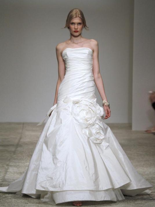 Amsale-blue-label-analisa-spring-2011-strapless-taffeta-wedding-dress-drop-waist-bodice-mermaid-skirt-floral-applique.full