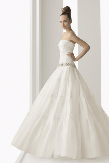 Aire-barcelona-nature-organza-white-strapless-ballgown-wedding-dress-jeweled-belt.full