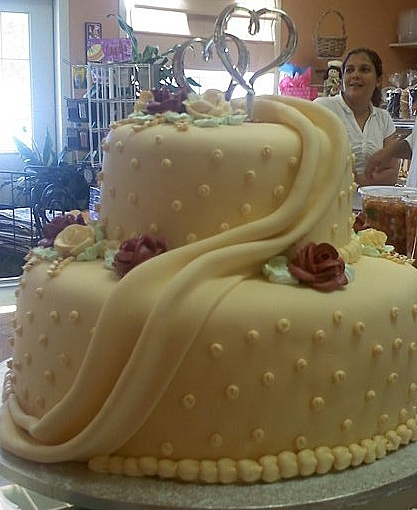 photo of Ivory Fondant Red Velvet