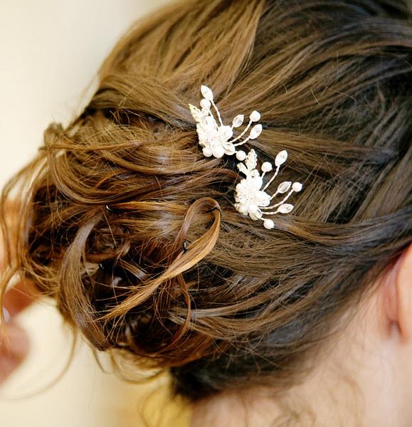 Wedding Hairstyles Brunette: Classic Messy Chignon
