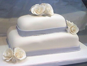 photo of Traditional Blue and White Wedding Cake