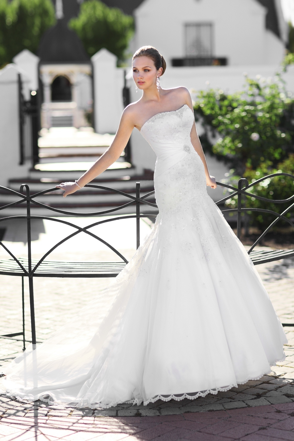 Essense-of-australia-wedding-dresses-2010-2011-d1074-side.full