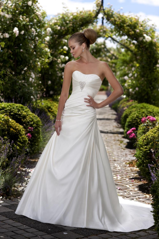 Essense-of-australia-wedding-dresses-2010-2011-d1063.full