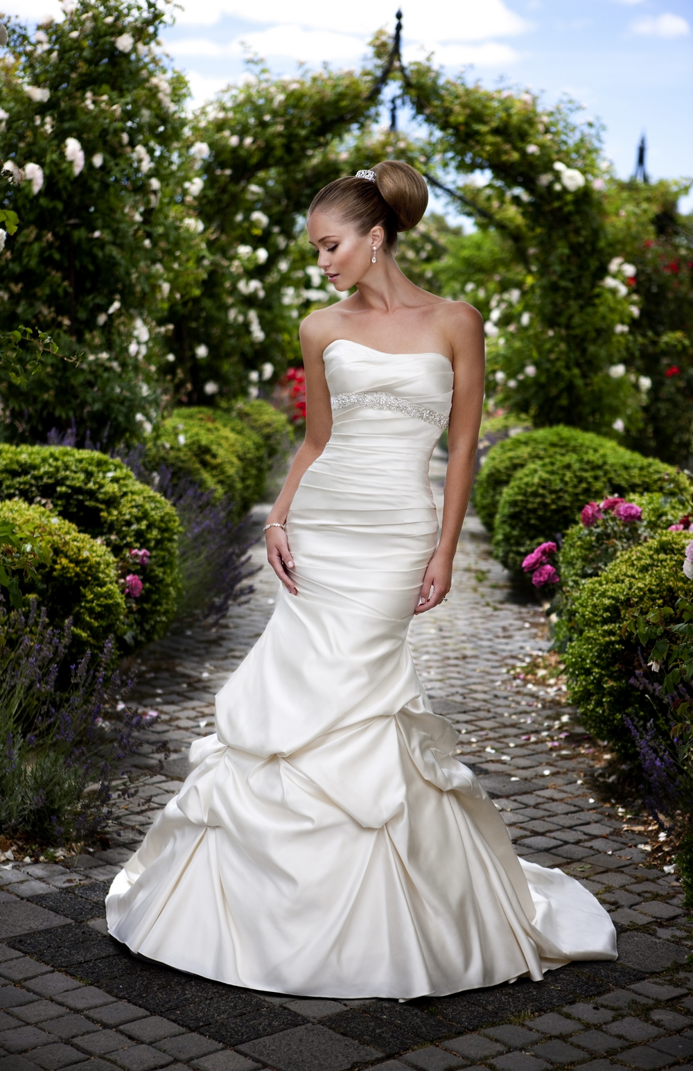 Essense-of-australia-wedding-dresses-2010-2011-d1129-front.original