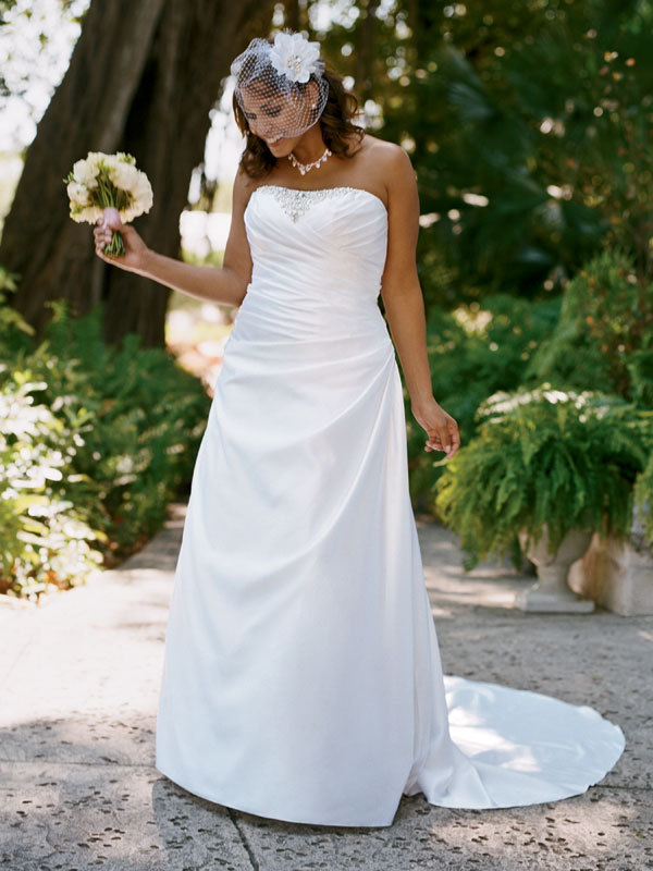 photo of David's Bridal Woman 9WG3153 Dress