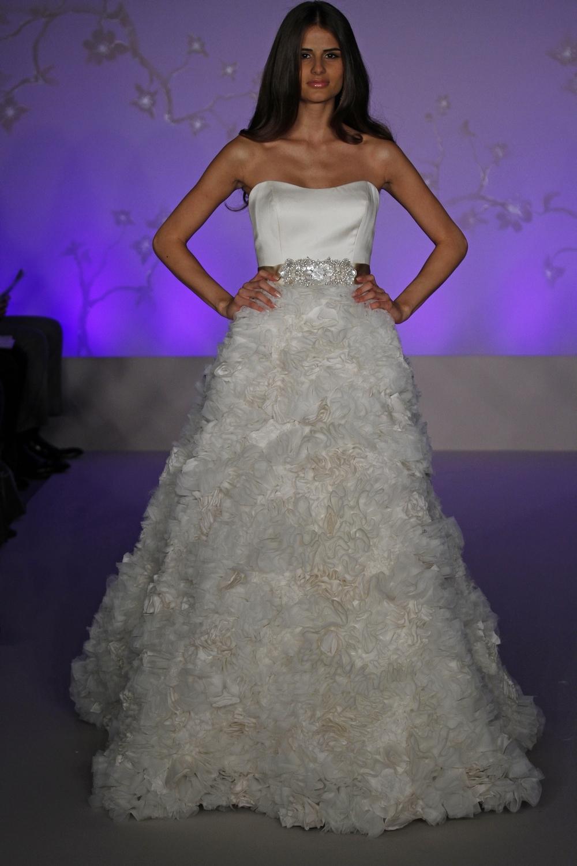 Lazaro-wedding-dress-fall-2010-3056.full
