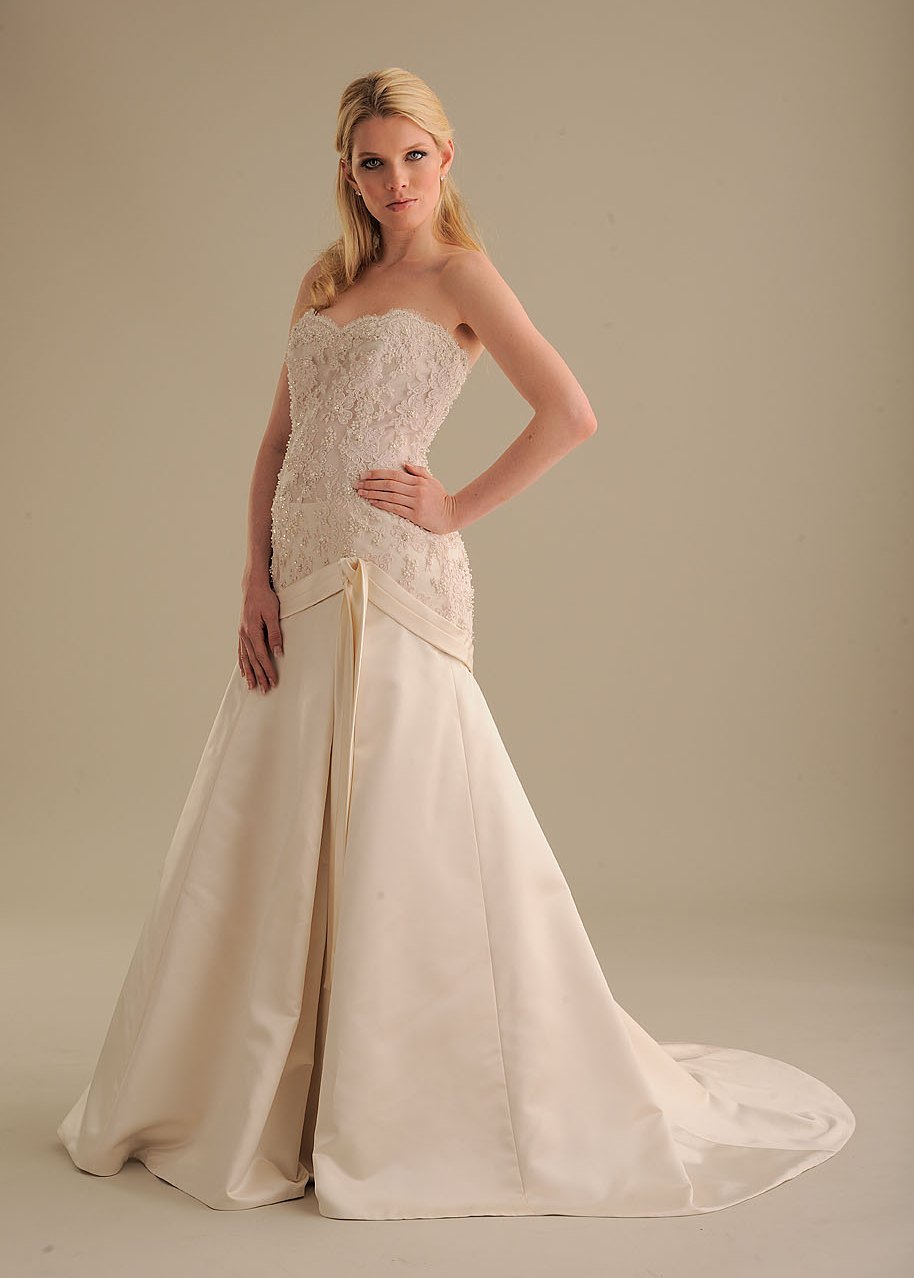 No-ordinary-bride-wedding-dress-844-2.full