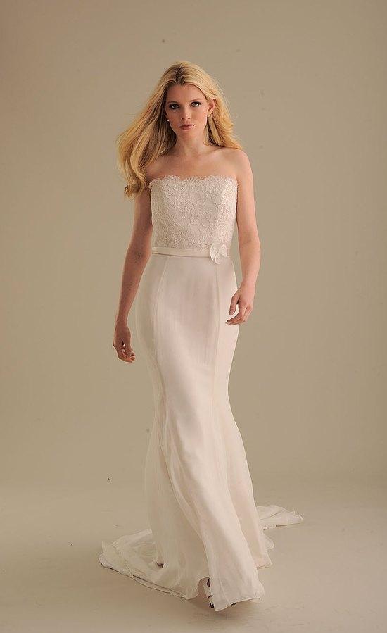 photo of 842 Dress