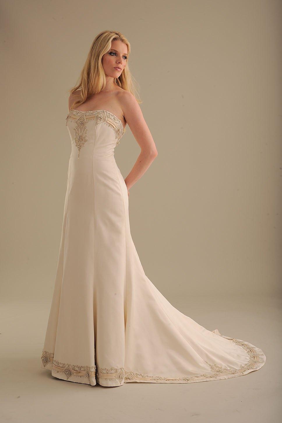 No-ordinary-bride-wedding-dress-836-2.full