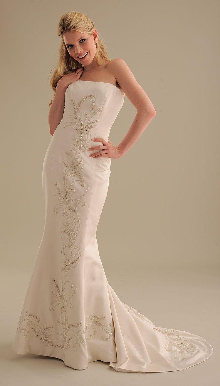 No-ordinary-bride-wedding-dress-014-2.full