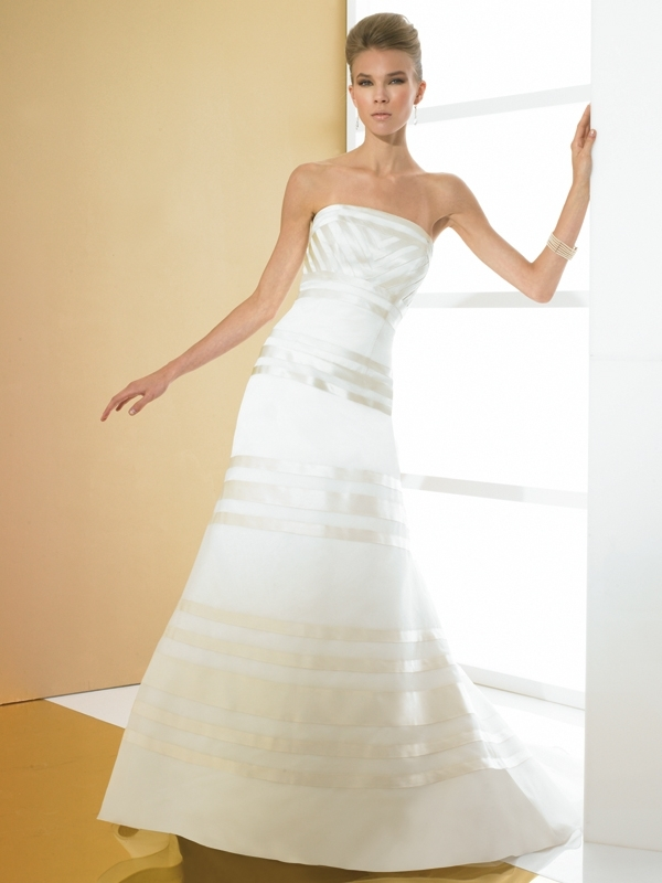 Simply-val-stefani-wedding-dress-s1970.full