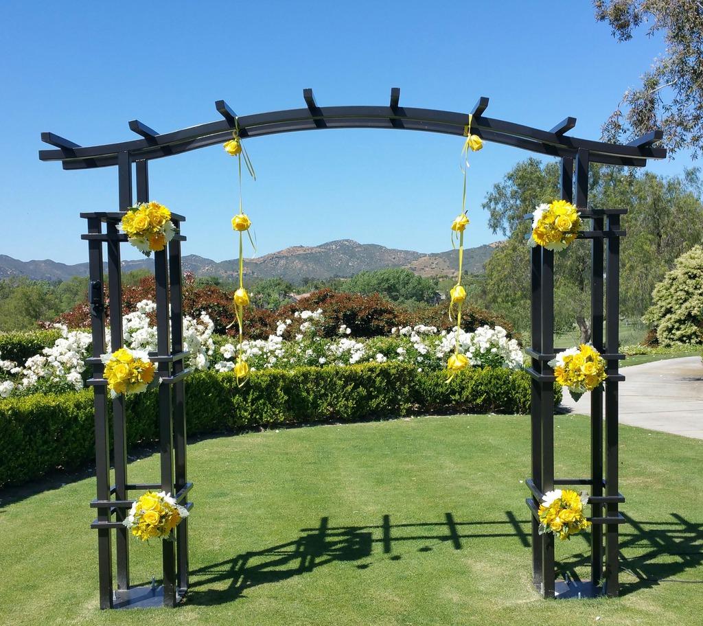 The Arbors At California Oaks: Twin Oaks Wedding Arbor Decor