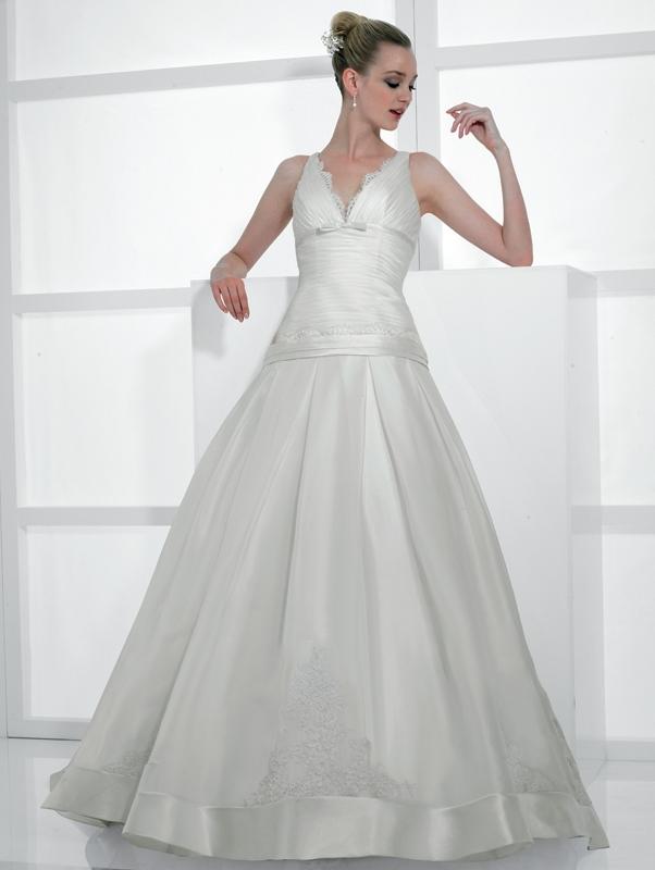 Val-stefani-wedding-dresses-d7984.full