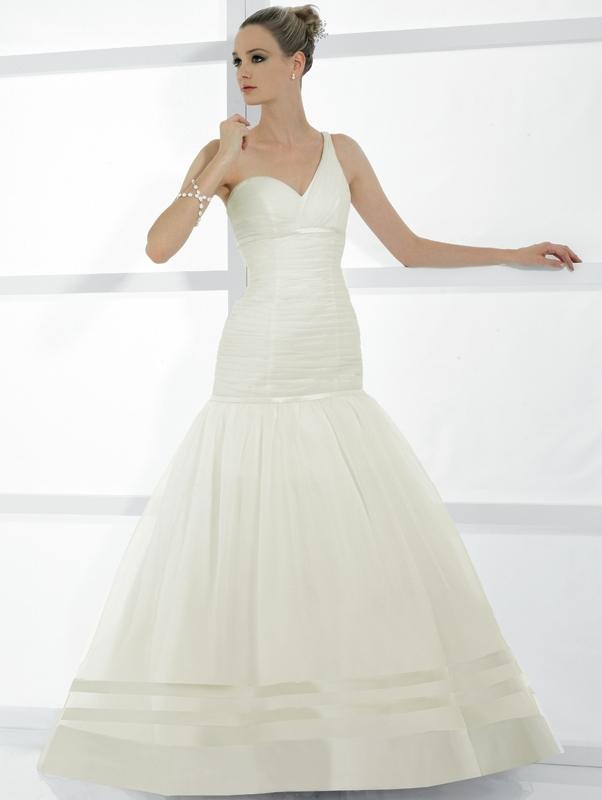 Val-stefani-wedding-dresses-d7983.full