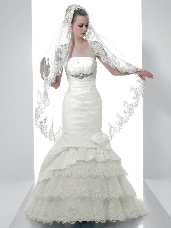 Val-stefani-wedding-dresses-d7982.full