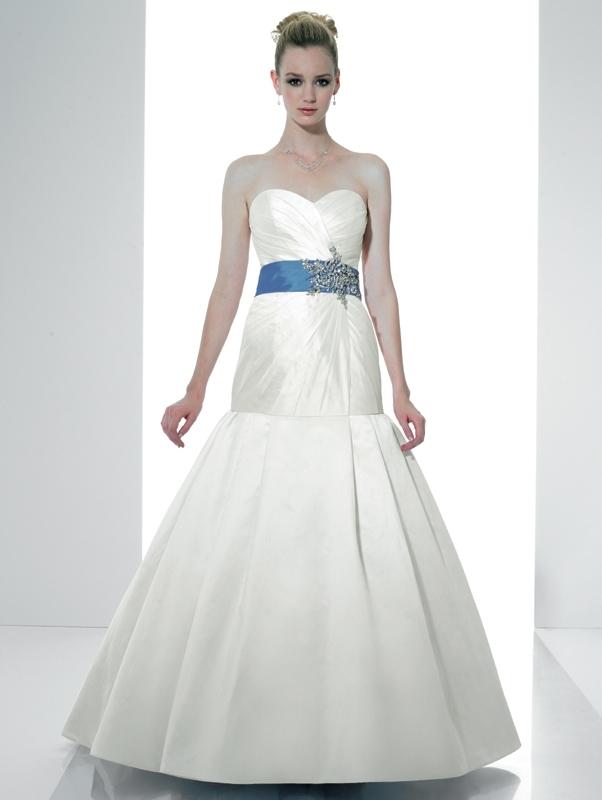Val-stefani-wedding-dresses-d7981.full