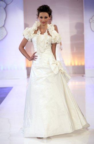 Cymbeline-wedding-dresses-3515.full