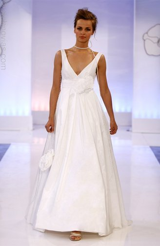 Cymbeline-wedding-dresses-3512.full
