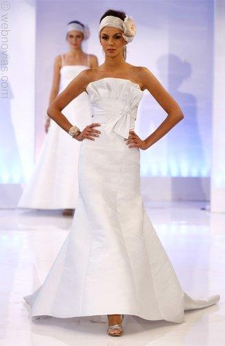 Cymbeline-wedding-dresses-3509.full
