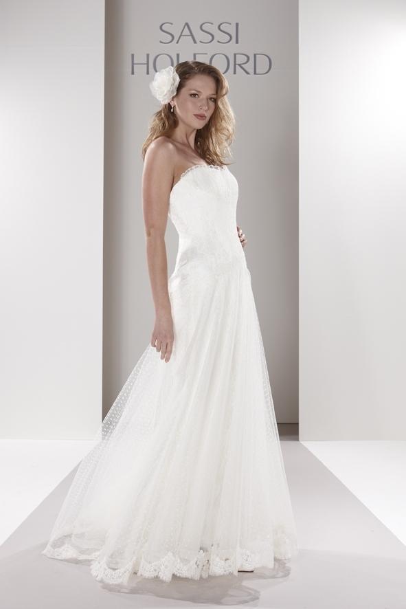 Sassi-holford-wedding-dress-cristina.full