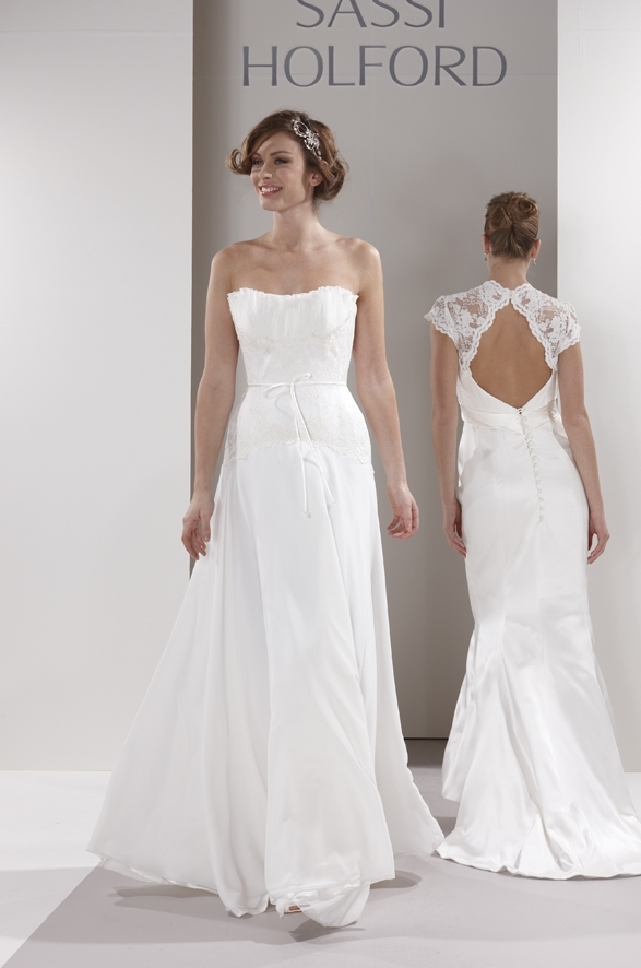 Sassi-holford-wedding-dress-alexandra.full